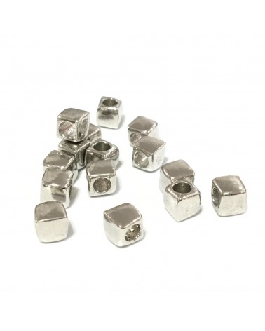X2 Perles métal cubes 6.5mm