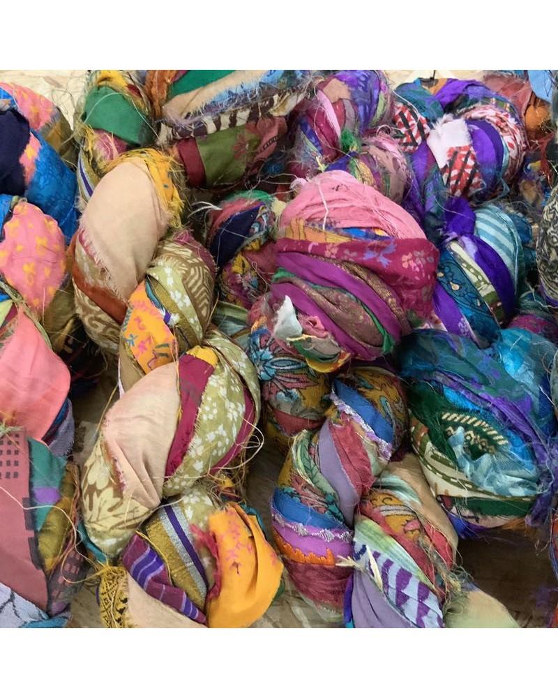 Echeveaux de lanières de soie
